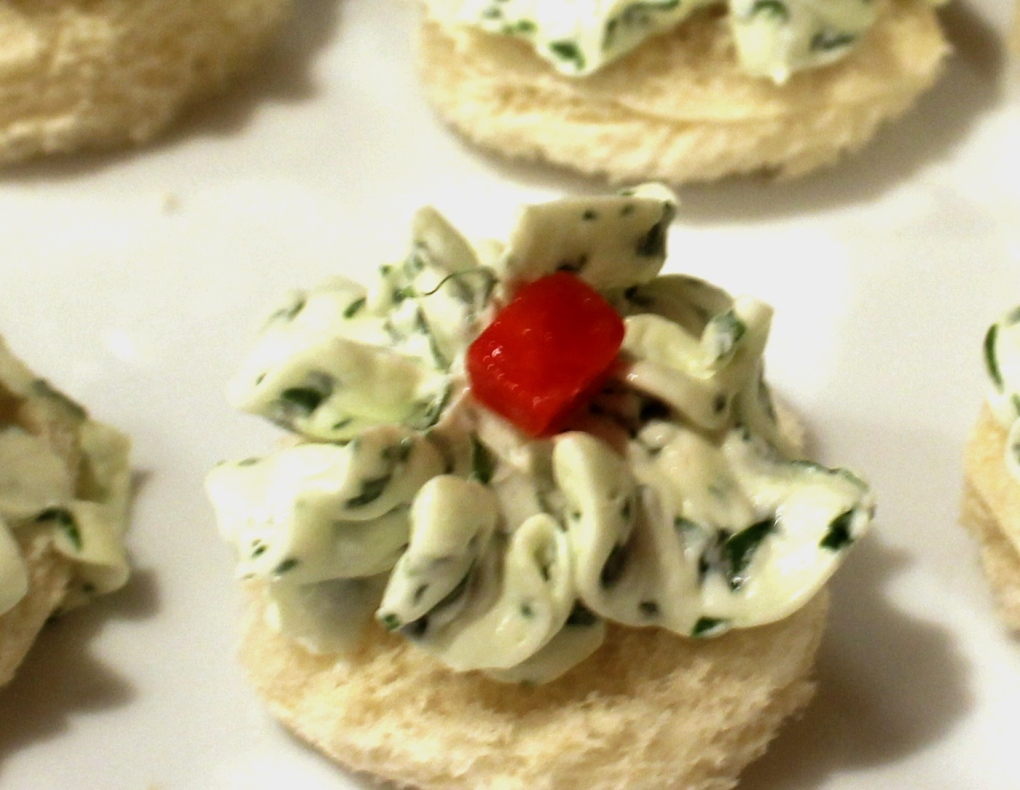 Watercress cream cheese and pimento canapes for Cream cheese canape